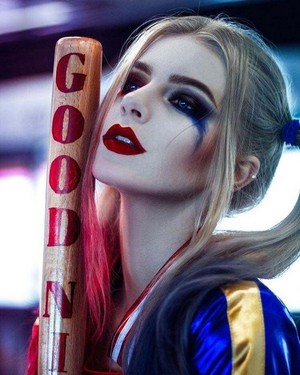 Amazing Harley cosplay