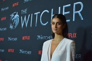 Anya Chalotra The Witcher Season 1 Photocall 03