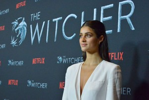 Anya Chalotra The Witcher Season 1 Photocall 04