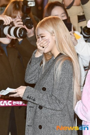 Blackpink at Gimpo Airport heading to জাপান 191203