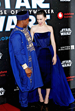 gänseblümchen, daisy Ridley and John Boyega - star, sterne Wars: The Rise of Skywalker European Premiere -December 18, 2019