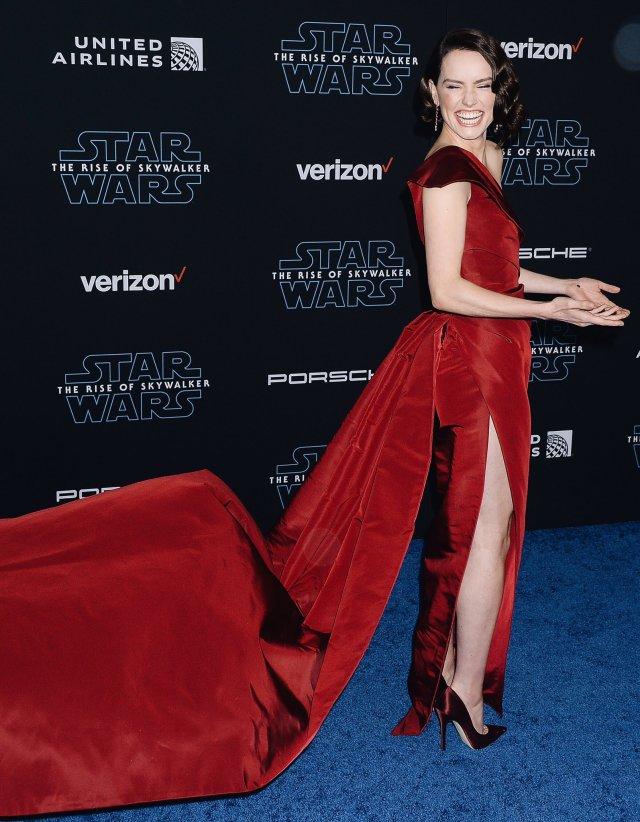 Daisy Ridley Premiere Of Star Wars The Rise Of Skywalker December 16 2019 Star Wars Photo 43149956 Fanpop