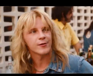 Daniel as Vince in the dirt movie