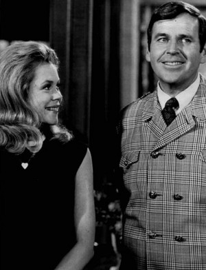 Elizabeth Montgomery and Paul Lynde