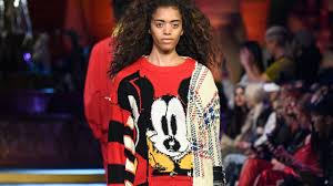 Fashion Debut Of The Mickey ratón Collection