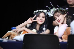 Feel Special - Fansign
