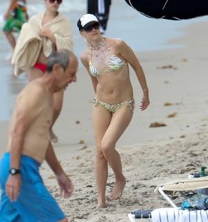 Gwen bikini
