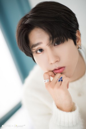 Han - Clé: Levanter Promotion Photoshoot Von Naver x Dispatch