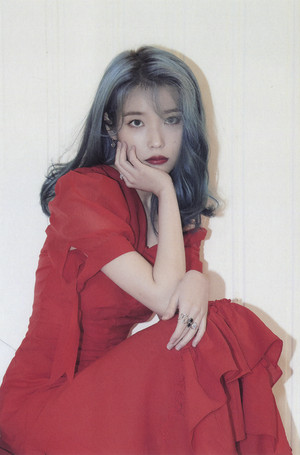 아이유 2020 시즌 그리팅/Season's Greetings - POSTCARD CALENDAR