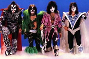吻乐队(Kiss) (1979) 王朝