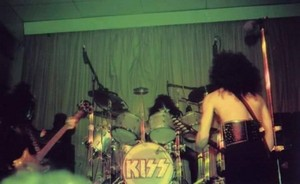 吻乐队(Kiss) ~London, Ontario, Canada...December 22, 1974 (Hotter Than Hell Tour)
