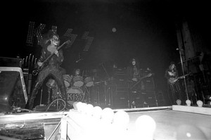 Kiss (NYC) December 31, 1973 (New York Academy of Music's New Year's Eve)