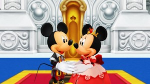 King Mickey topo, mouse and Queen Minnie topo, mouse