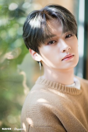 Lee Know - Clé: Levanter Promotion Photoshoot سے طرف کی Naver x Dispatch