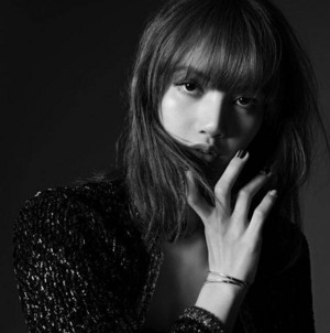 Lisa The New Cover of madame FIGARO Japan Magazine