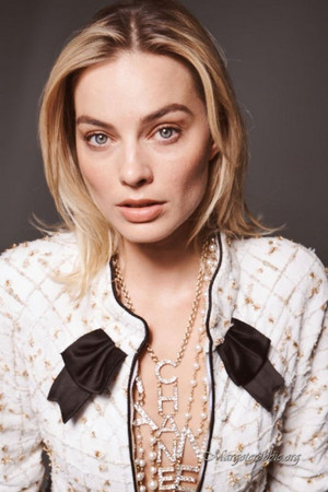 Margot Robbie - Elle France Photoshoot - 2019