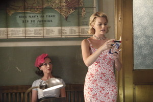 Margot Robbie as Laura Cameron in Pan Am - The Genuine artikulo