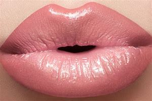 Most Expensive Lips to 吻乐队(Kiss) in The United States
