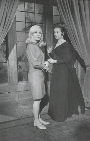 Nancy Barrett & Joan Bennett