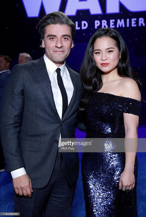 Oscar Isaac and Kelly Marie Tran - premiere of 星, 星级 Wars: The Rise Of Skywalker - December 16, 2019