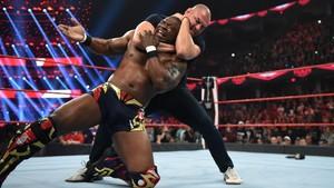 Raw 10/21/19 ~ Cain Velasquez helps Rey Mysterio