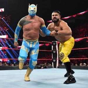 Raw 10/21/19 ~ Sin Cara vs Andrade