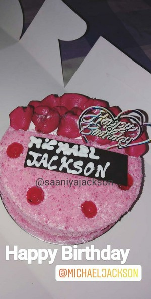 Saaniya Jackson Celebrate Her Idol MJs Birthday 2019