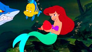 Walt Disney Screencaps – Glut, Flounder & Princess Ariel