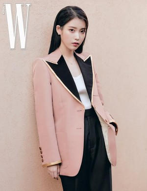 아이유(IU) 아이유 IU for W Korea Lucky Spring Preview