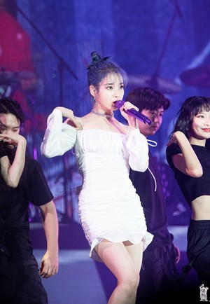 191109 2019 IU Tour Concert <Love, Poem> in Incheon