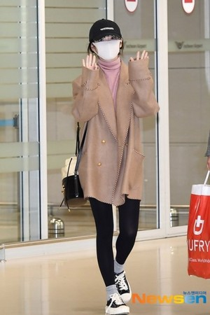 20200222 IU returning to Korea from Italy