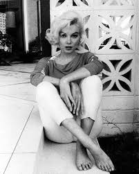 At প্রথমপাতা With Marilyn Monroe