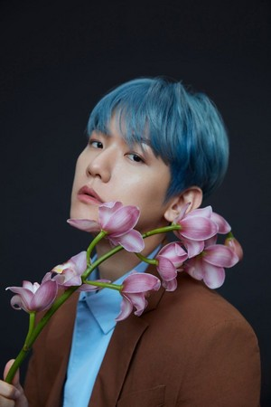 Baekhyun For Harper's BAZAAR China E-Magazine