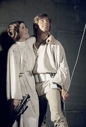 Carrie and Mark - Bangtan Boys - estrela Wars (1977)