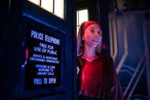 Doctor Who - Episode 12.07 - Can tu Hear Me - Promo Pics