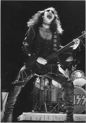 Gene (NYC) January 26, 1974 (Academy of Music)