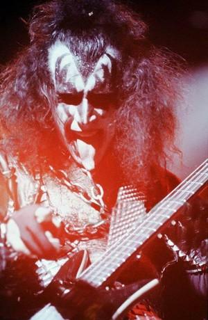 Gene ~Tokyo, Japan...March 28, 1978 (Alive II Tour)