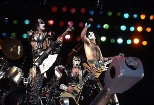baciare ~Laguna Hills, California...March 25, 1983 (Creatures of the Night Tour)
