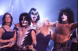 Kiss ~Mahattan, New York...February 5, 2002 (Lane Bryant Fashion Show)