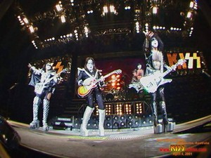 किस ~Melbourne, Australia...April 4, 2001 (Farewell Tour)