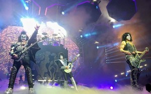 KISS ~Raleigh, North Carolina...April 6, 2019 (End of the Road Tour)