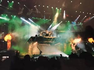 চুম্বন ~Stockholm, Sweden...March 3, 1999 (Stockholm Globe Arena)