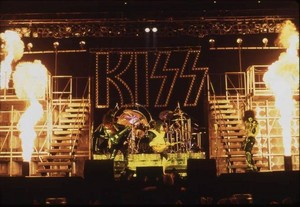 KISS ~Tokyo, Japan...March 28, 1978 (Alive II Tour)