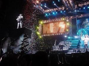 KISS ~Yokohama, Japan...March 9, 2001 (Farewell Tour)