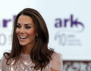 Kate ~ ARK Gala makan malam (2011)
