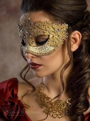 Masked Beauty ♥