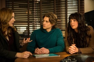Nancy Drew - Episode 1.14 - The Sign of the Uninvited Guest - Promo Pics