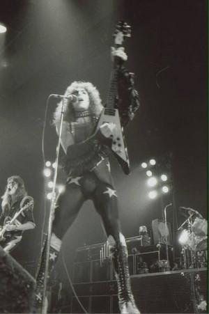 Paul ~Portland, Oregon...February 11, 1976 (Alive Tour)
