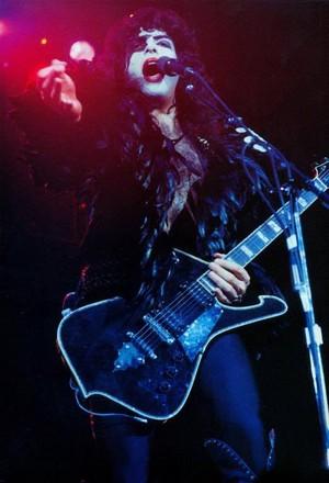 Paul ~Tokyo, Japan...March 28, 1978 (Alive II Tour)