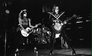 Paul and Ace (NYC) March 21, 1975 (Dressed To Kill Tour-Beacon Theatre)